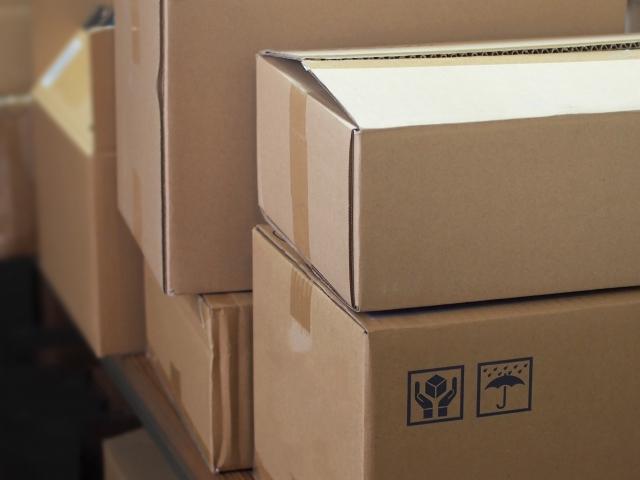 倉庫内のダンボール箱